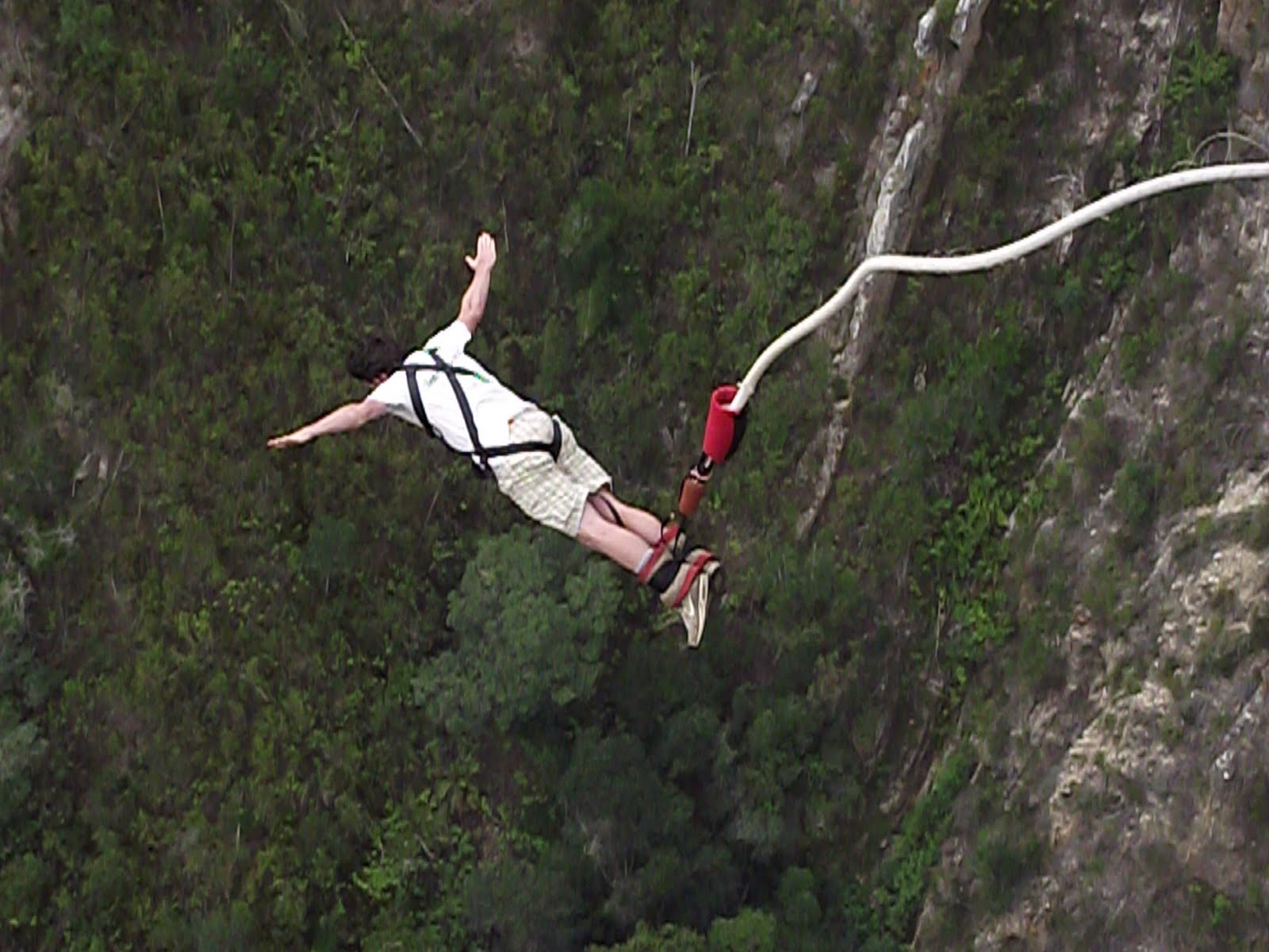 wisata indonesia Bungy Jumping